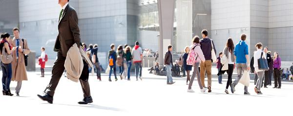 rozprzestrzenianie się zarazków w miejscach publicznych skupisko ludzi